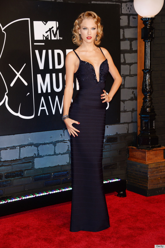 Taylor Swift's VMAs 2013 Dress Is Straight Out Of A ...