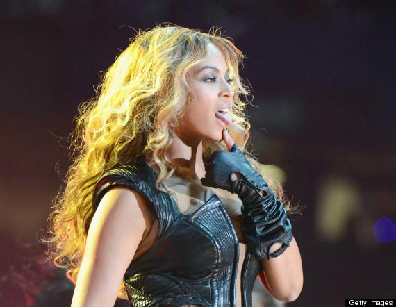 Miley cyrus twerking two black dicks - 2 part 1