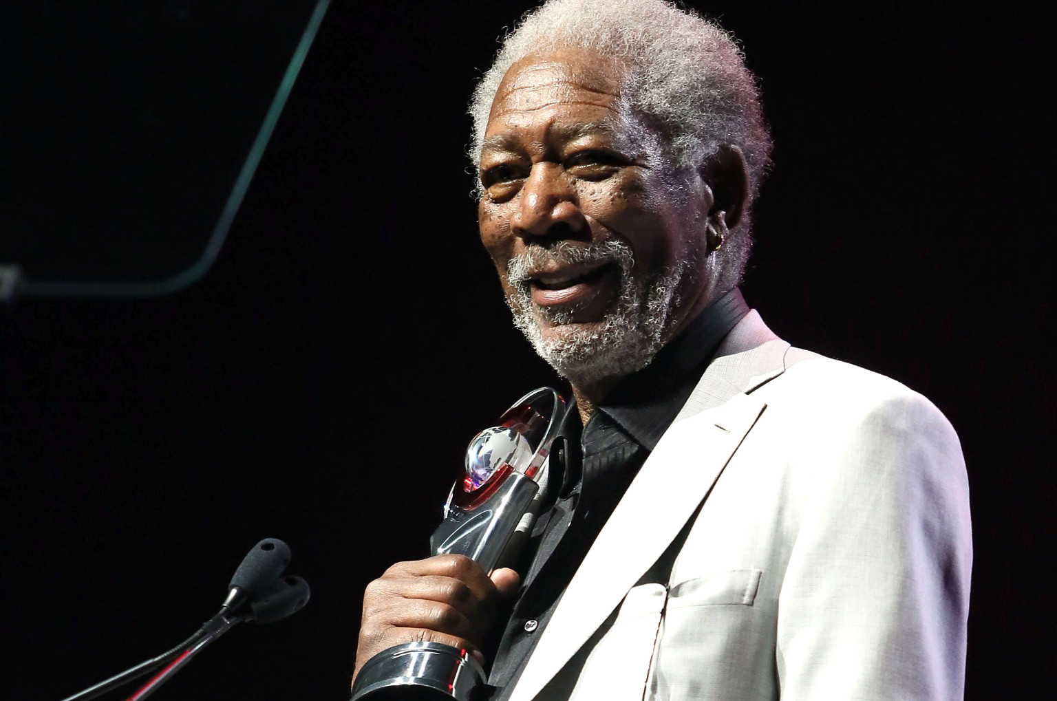 morgan freeman Early life and education morgan freeman was born on june 1, 1937 in memphis, tennesseehe is the son of mayme edna (née revere 1912–2000), a teacher, and morgan porterfield freeman, a barber, who died on april 27, 1961 he has three older siblings.