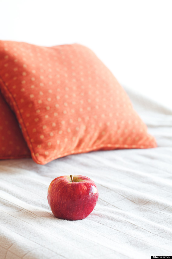 apples in bed