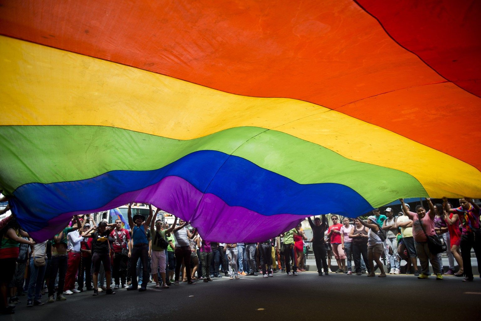 Hawaii Gay Marriage Effort Moves Forward As Governor Gives