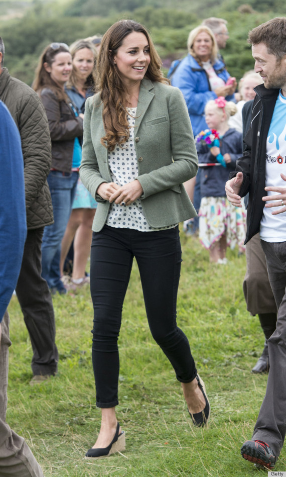3797f65181d01 Kate Middleton Makes First Post-Baby Appearance In Skinny Pants ...