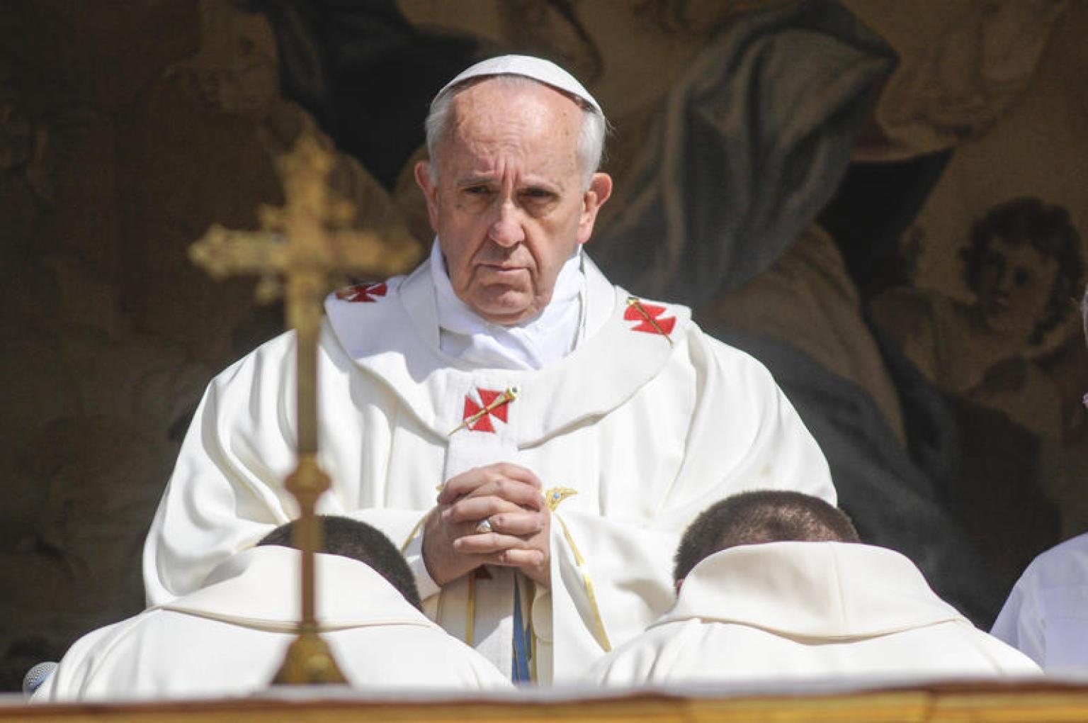 Papa francesco chi fa 39 chiacchiere 39 vuole uccidere i - Papa bagno chimico ...