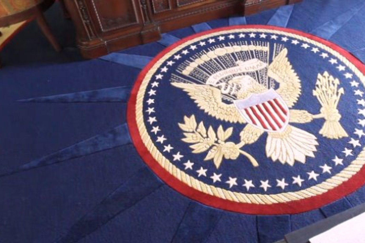 Eagle On The Oval Office Carpet - Carpet Vidalondon