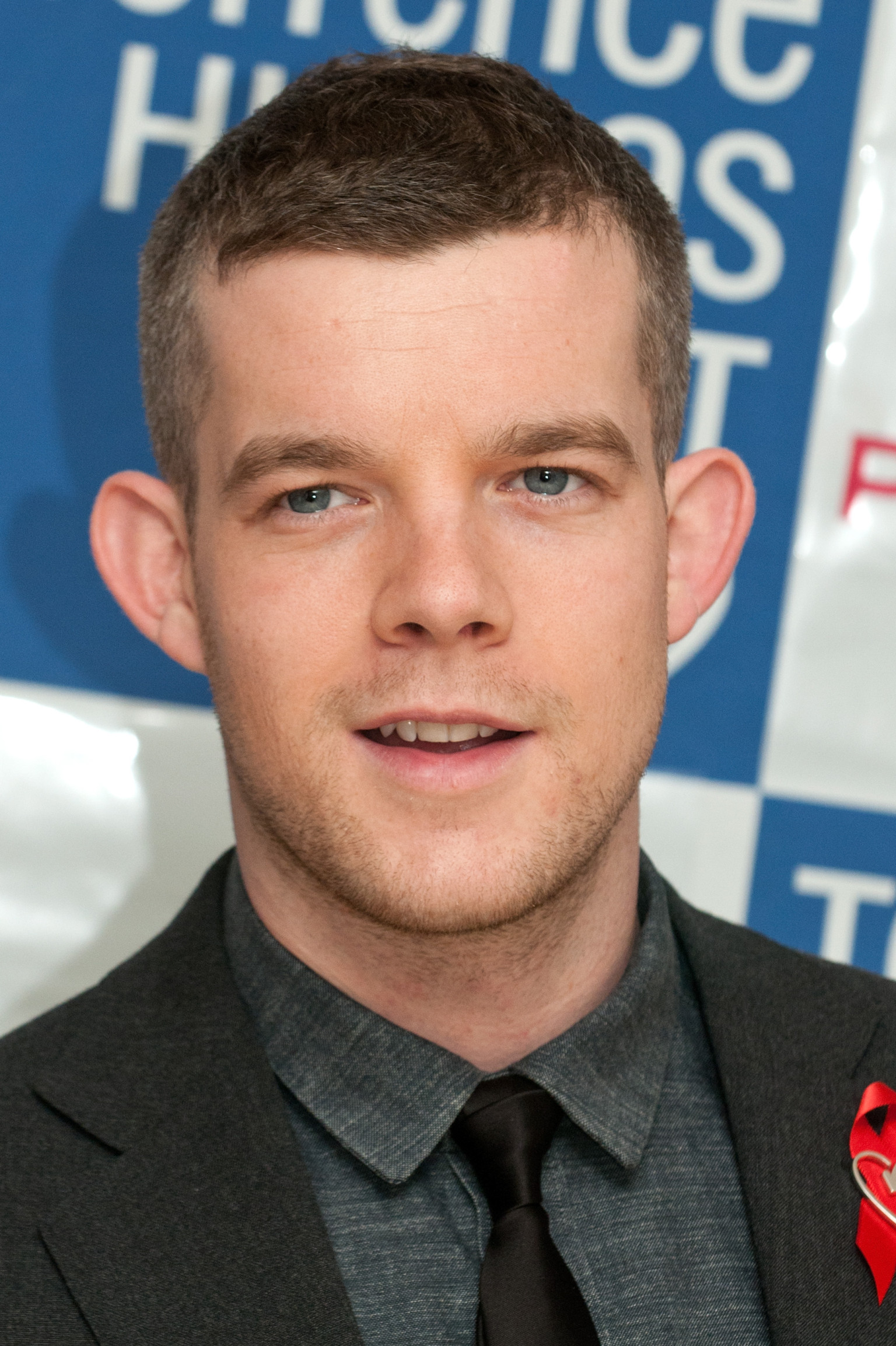 russell tovey eye color