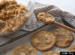 Recipe Of The Day: White Chocolate Macadamia Nut Cookie