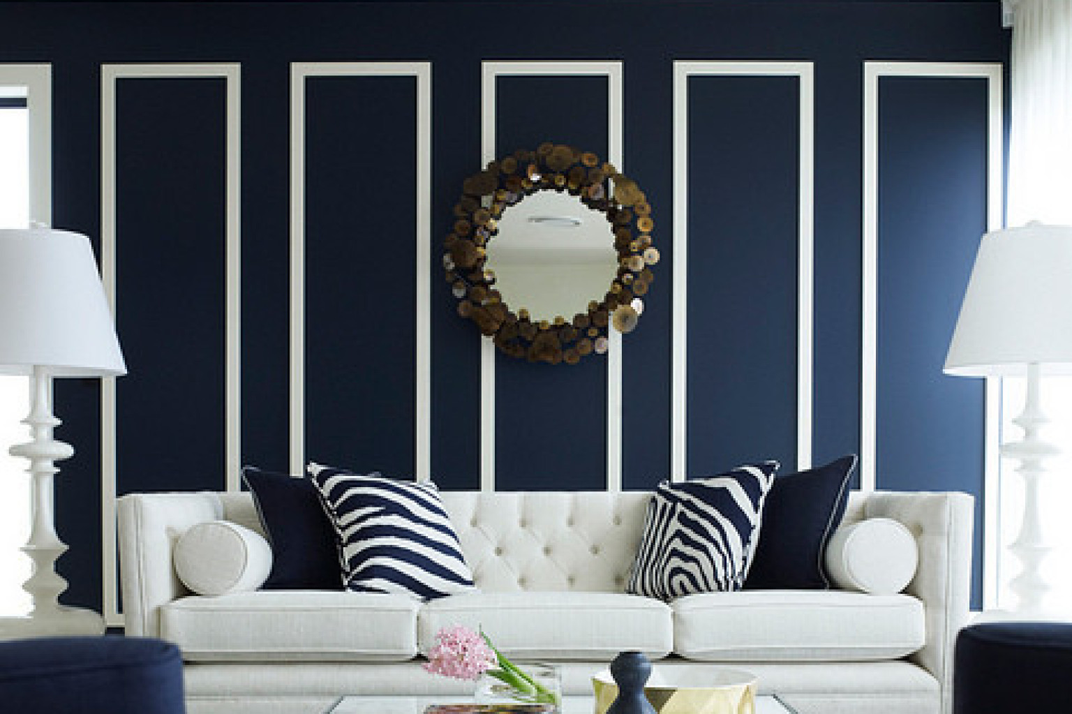 Dark blue living room - 10 Navy Rooms To Inspire You To Pick Up The Paintbrush Photos Huffpost