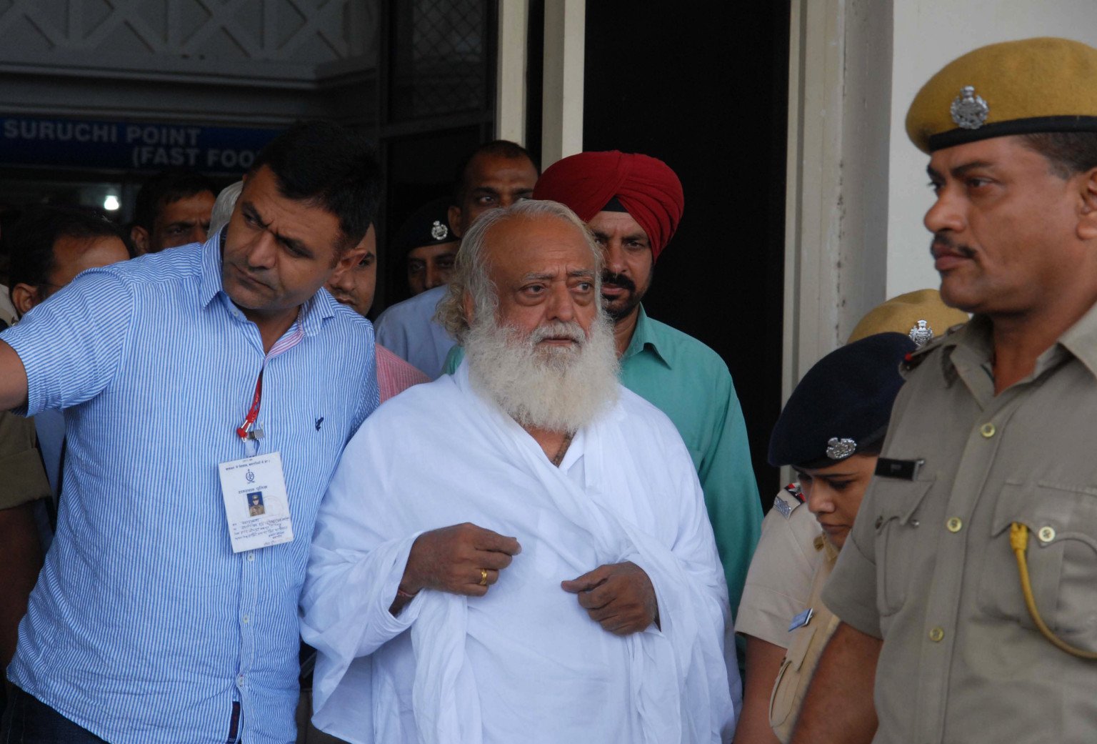 Indian Guru Castrates Himself To Protest Spiritual Leader's Rape Charge