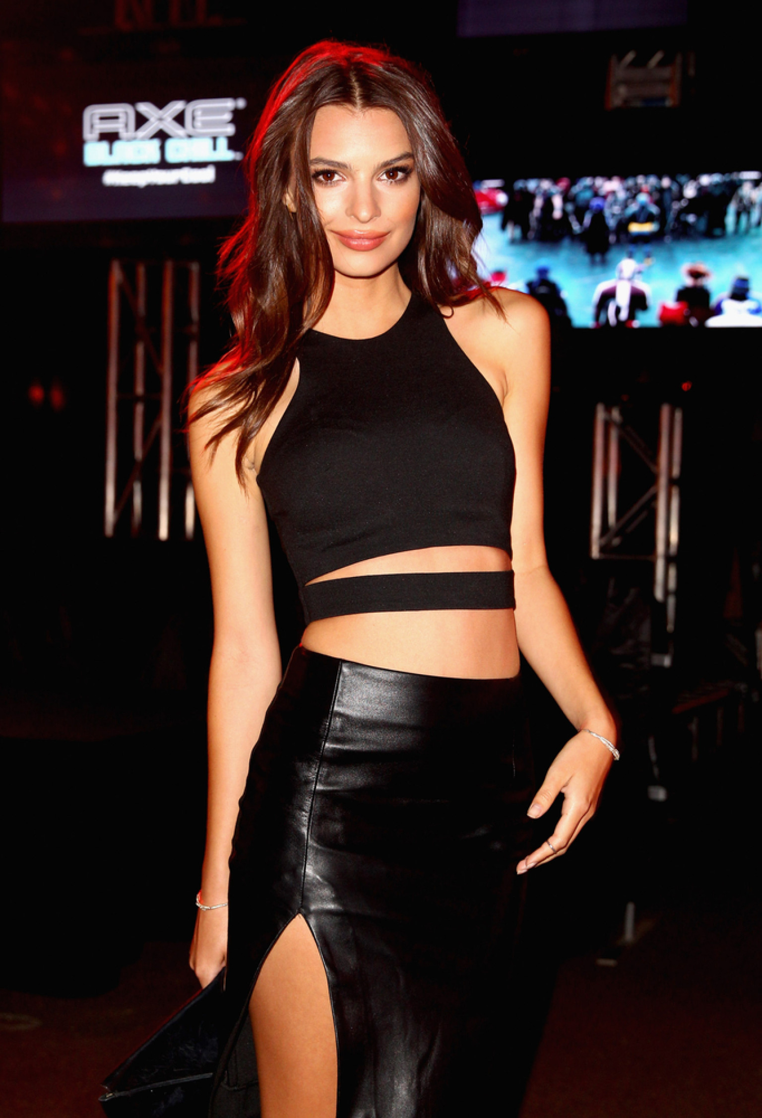 Emily Ratajkowski Reveals The Key To Picking Up Women