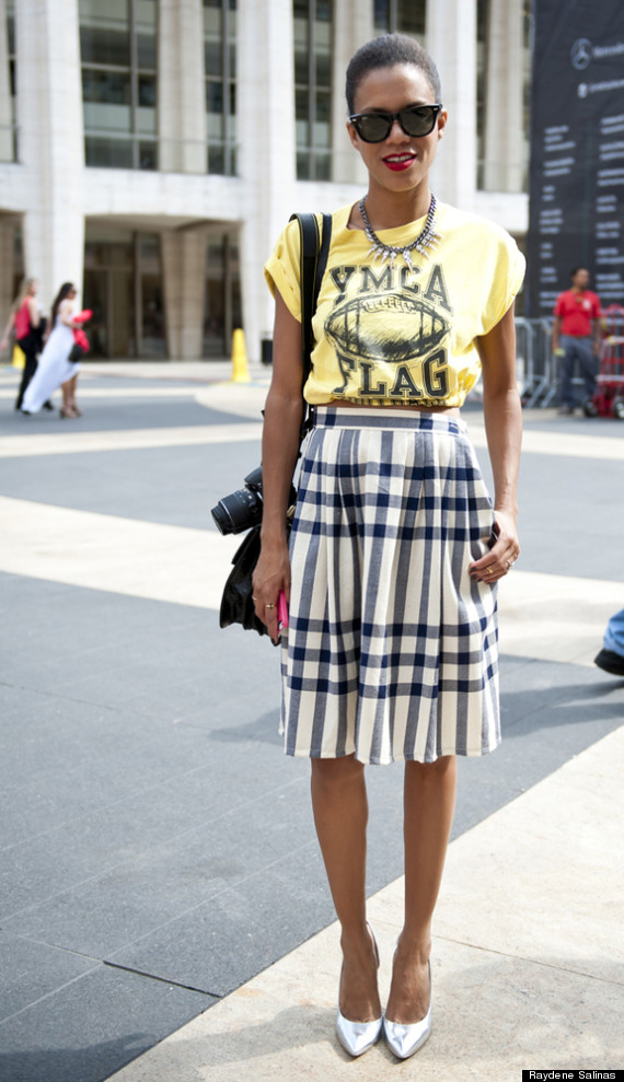 http://i.huffpost.com/gen/1340070/thumbs/o-NEW-YORK-FASHION-WEEK-STREET-STYLE-570.jpg?6