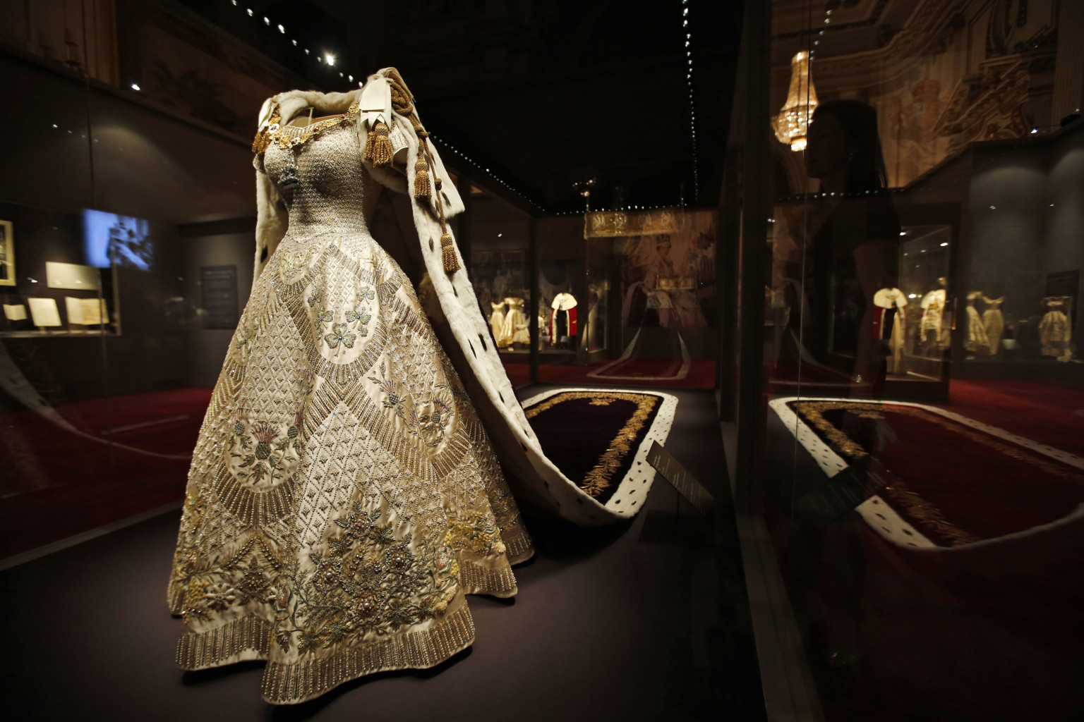 Queen Elizabeth's Coronation Dress Included Nod To Canada ...Queen Elizabeth Coronation Dress