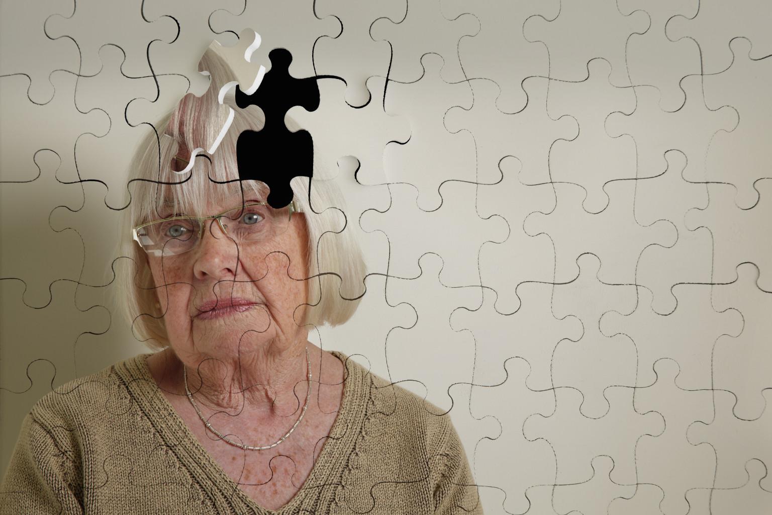 perbedaan demensia dan alzheimer