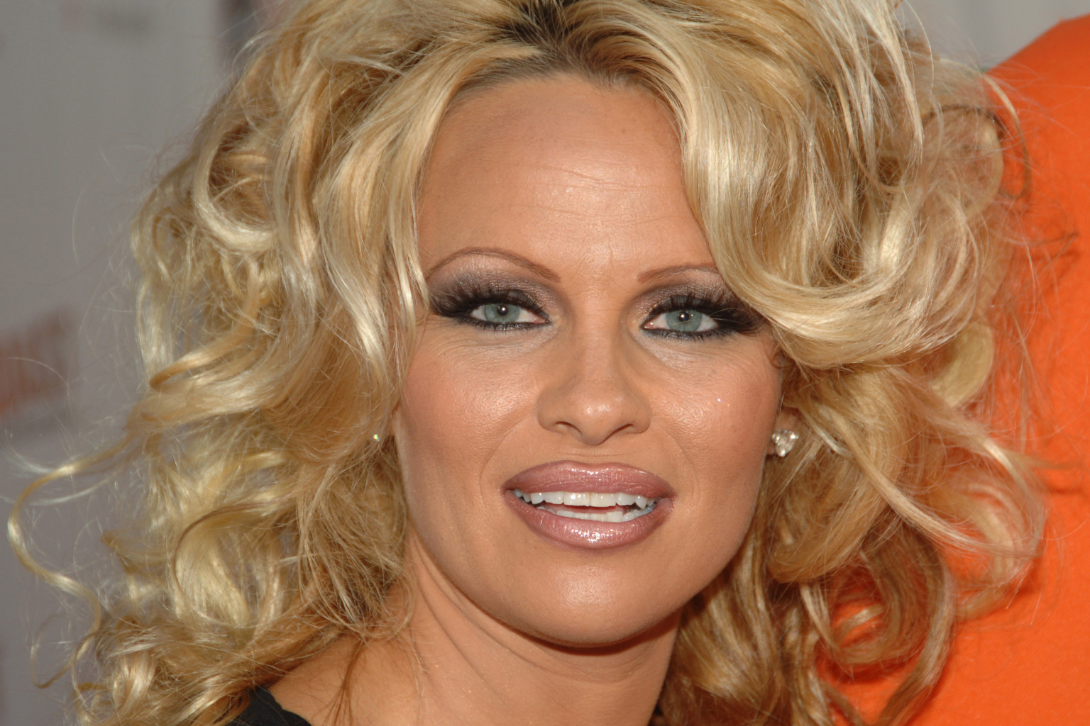 Pamela Anderson's No-Makeup Look Is Gorgeous (PHOTO) Pamela Anderson