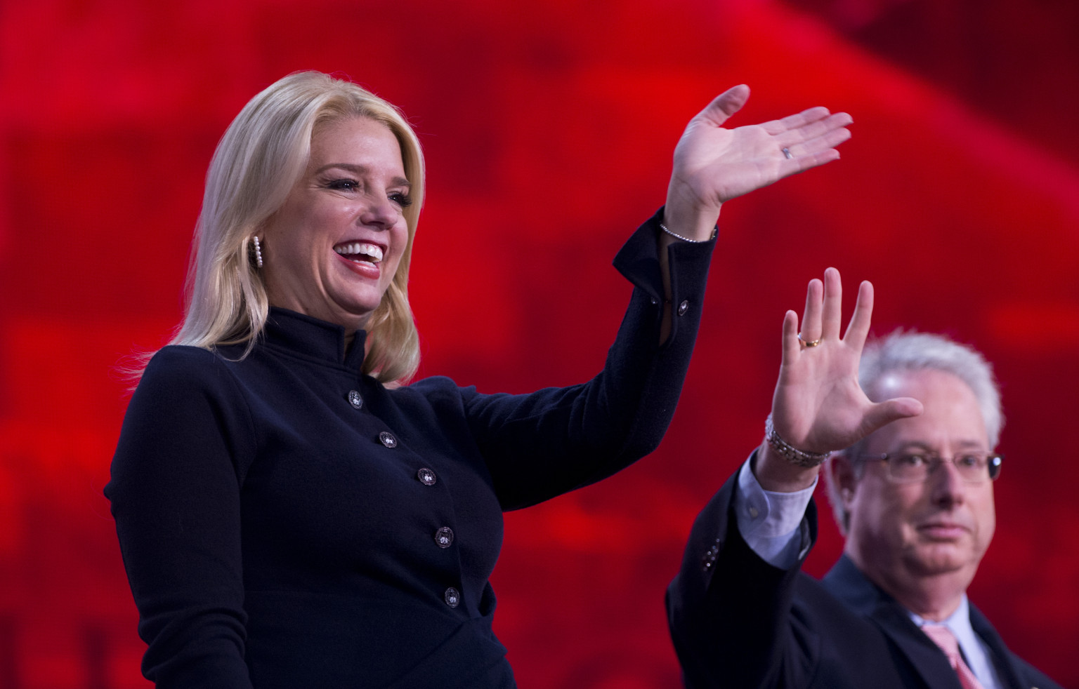 Pam Bondi Florida Join Nra Fight To Let Teens Purchase