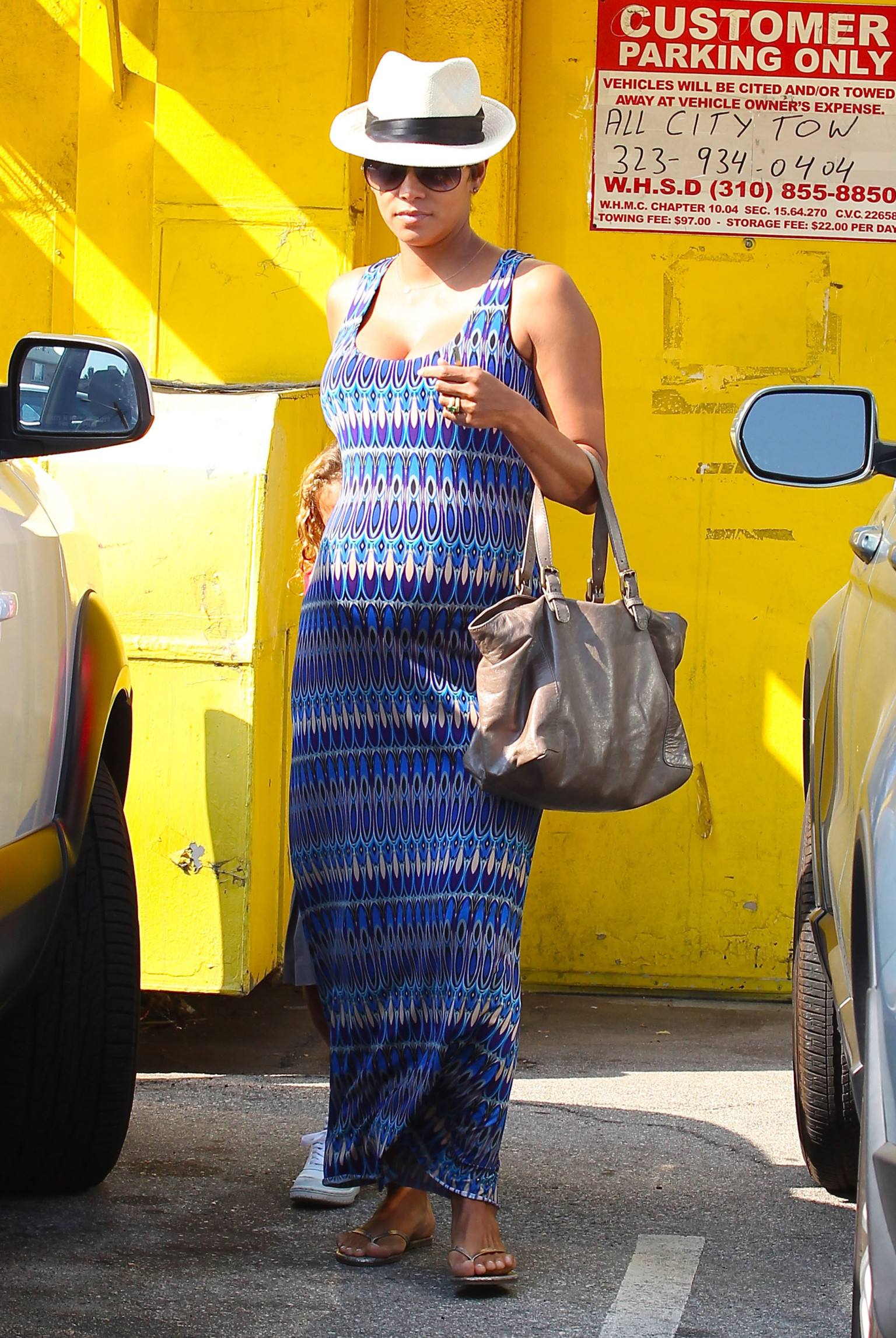 Halle Berry Dresses Her Baby Bump In Curve Hugging Maxi