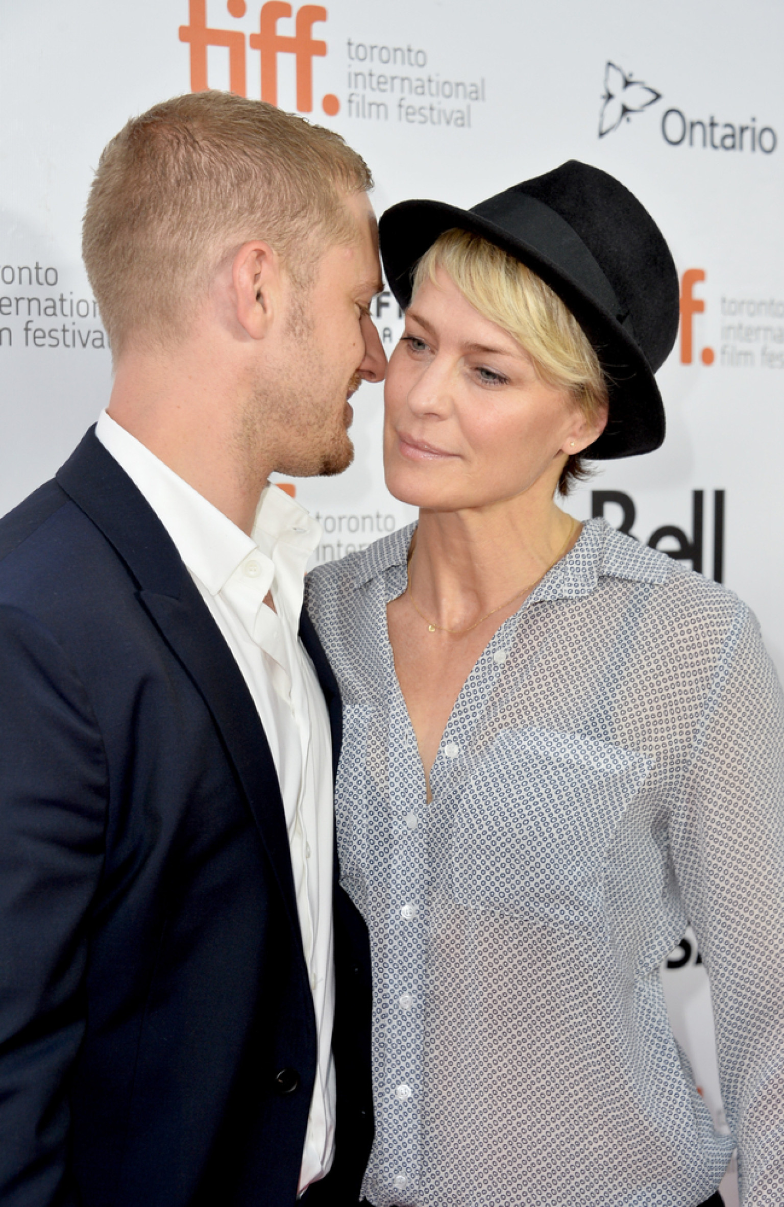 wright dating Robin wright, 47, and ben foster, 33, are engaged, us weekly can confirm the two first met in 2011 and began dating in early 2012.
