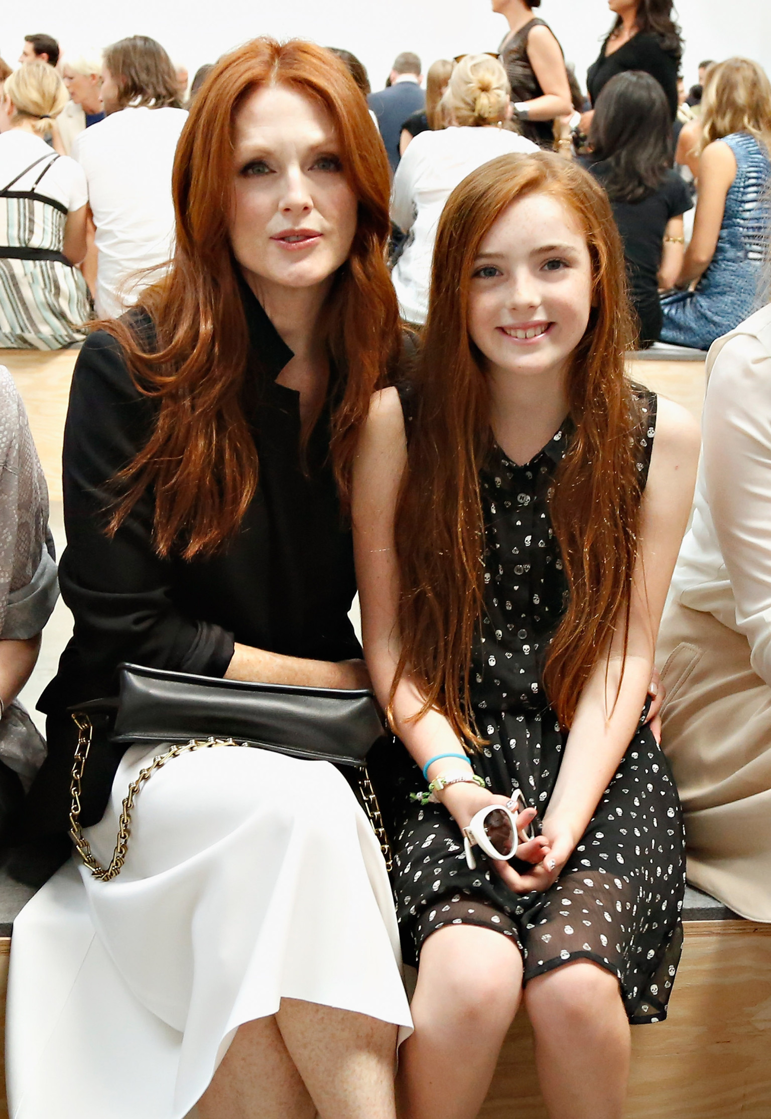 julianne moore daughter join the front row celebs at