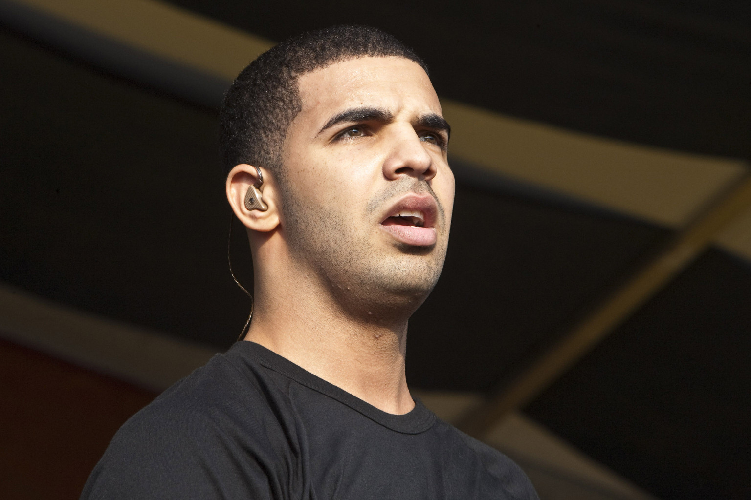 Drake Sued For Owl Pendant Knockoffs Huffpost