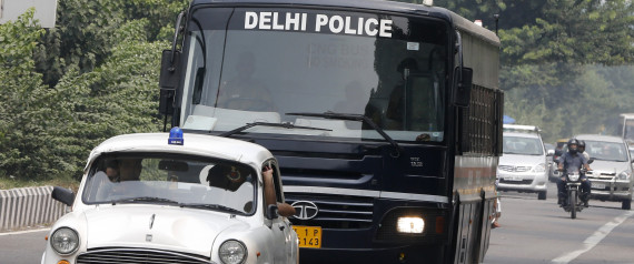 les 4 accus s du viol en r union d 39 une tudiante new delhi condamn s mort. Black Bedroom Furniture Sets. Home Design Ideas