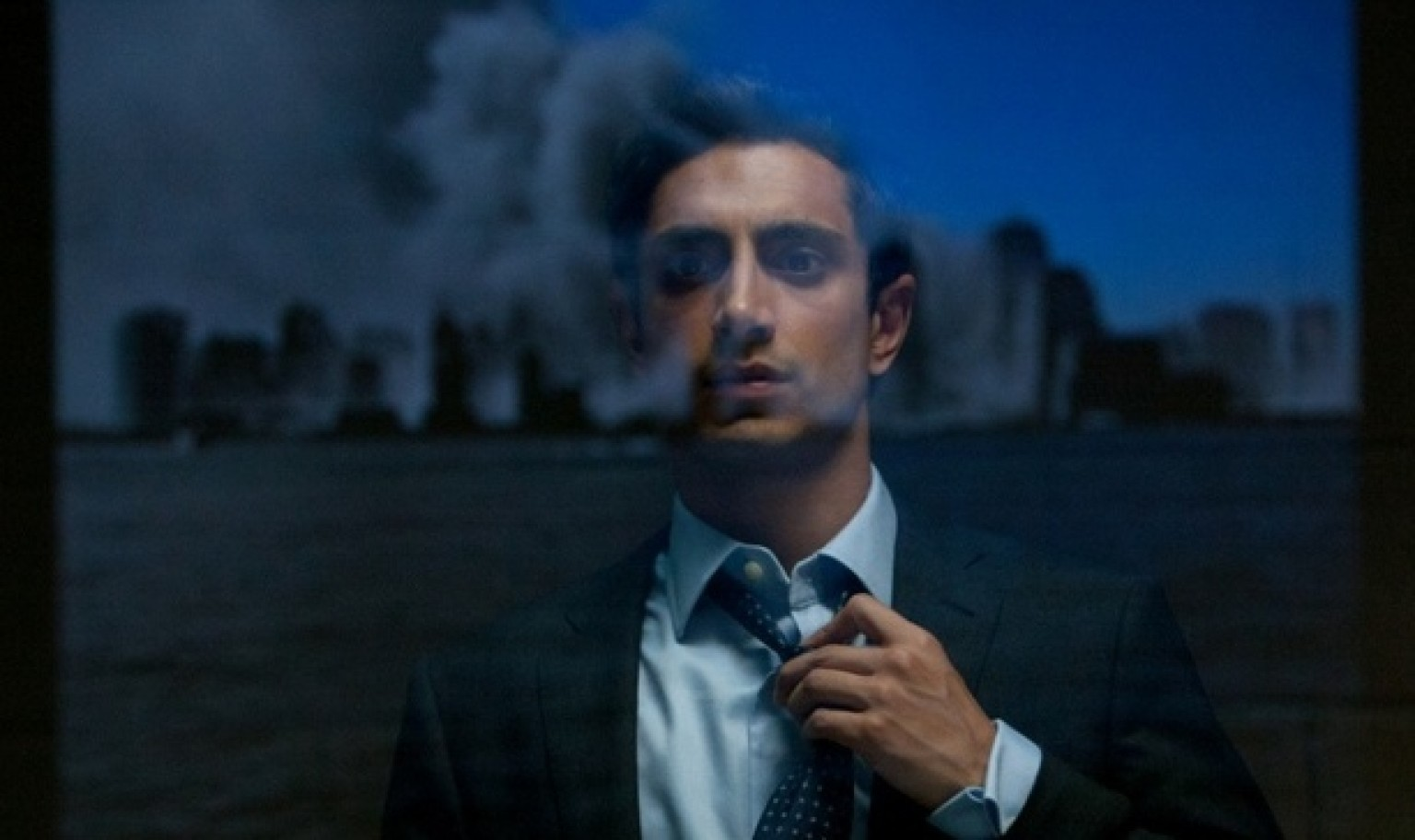 identity in the reluctant fundamentalist The film is an adaptation of the novel, the reluctant fundamentalist by mohsin hamid hamid's novel explores issues of identity and assimilation of a young pakistani professional living in .