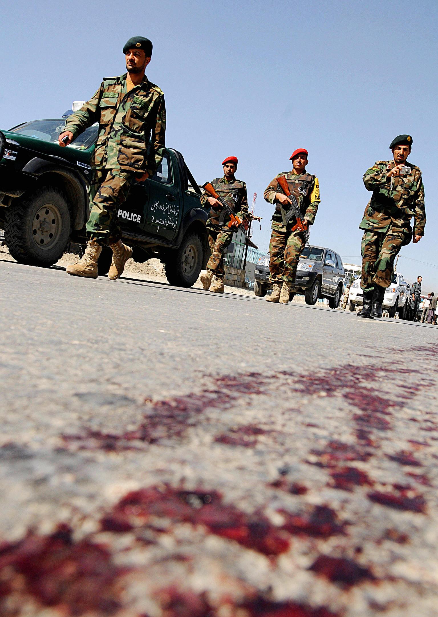 d u00e9fiant les talibans  les afghans ont vot u00e9 en nombre pour