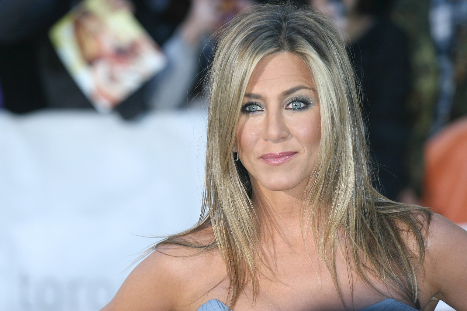 Jennifer Aniston: Jennifer Aniston's Strapless Dress Steals The Show At TIFF