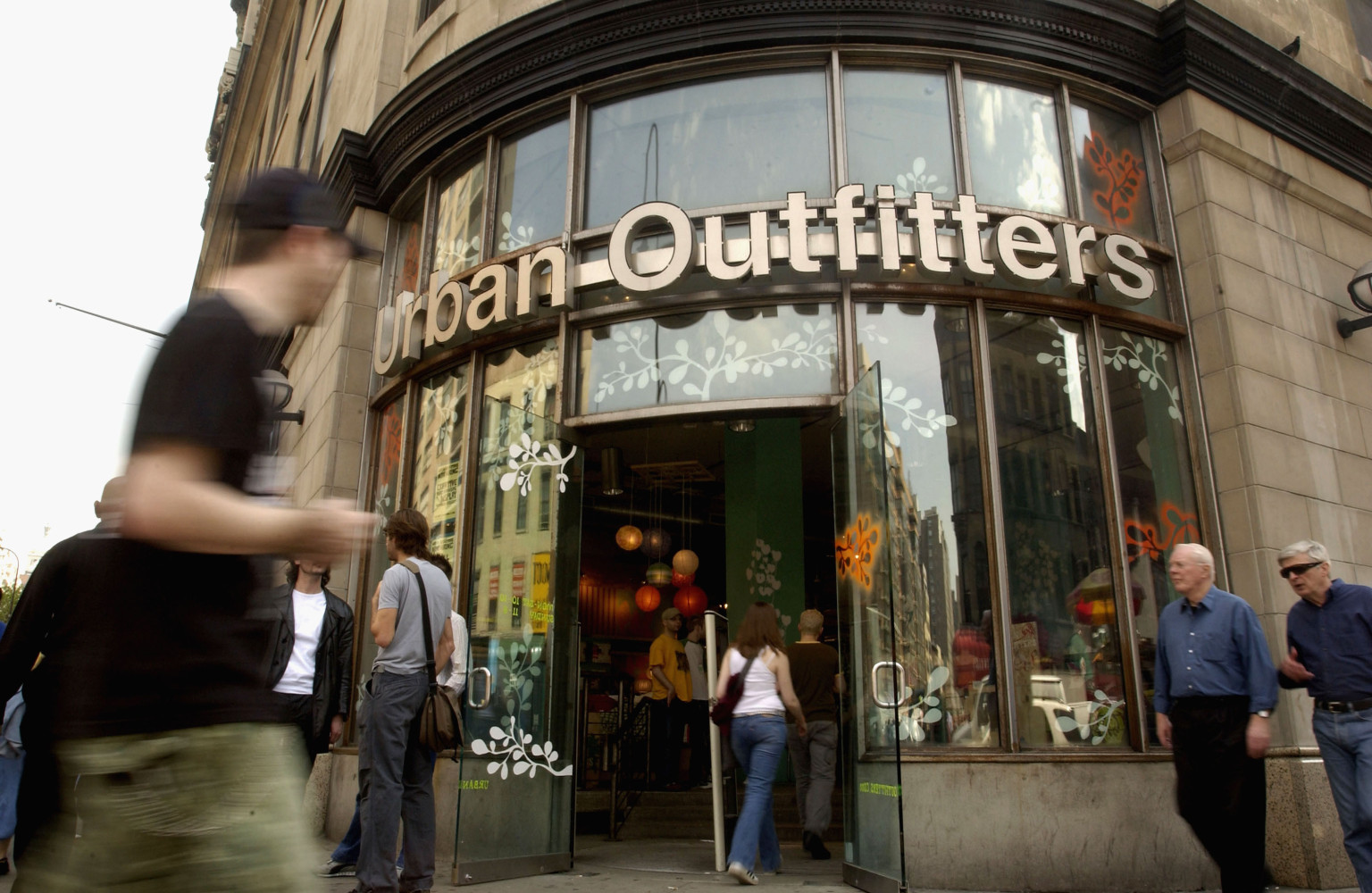 Urban Outfitters Applies For Liquor License At New York ...