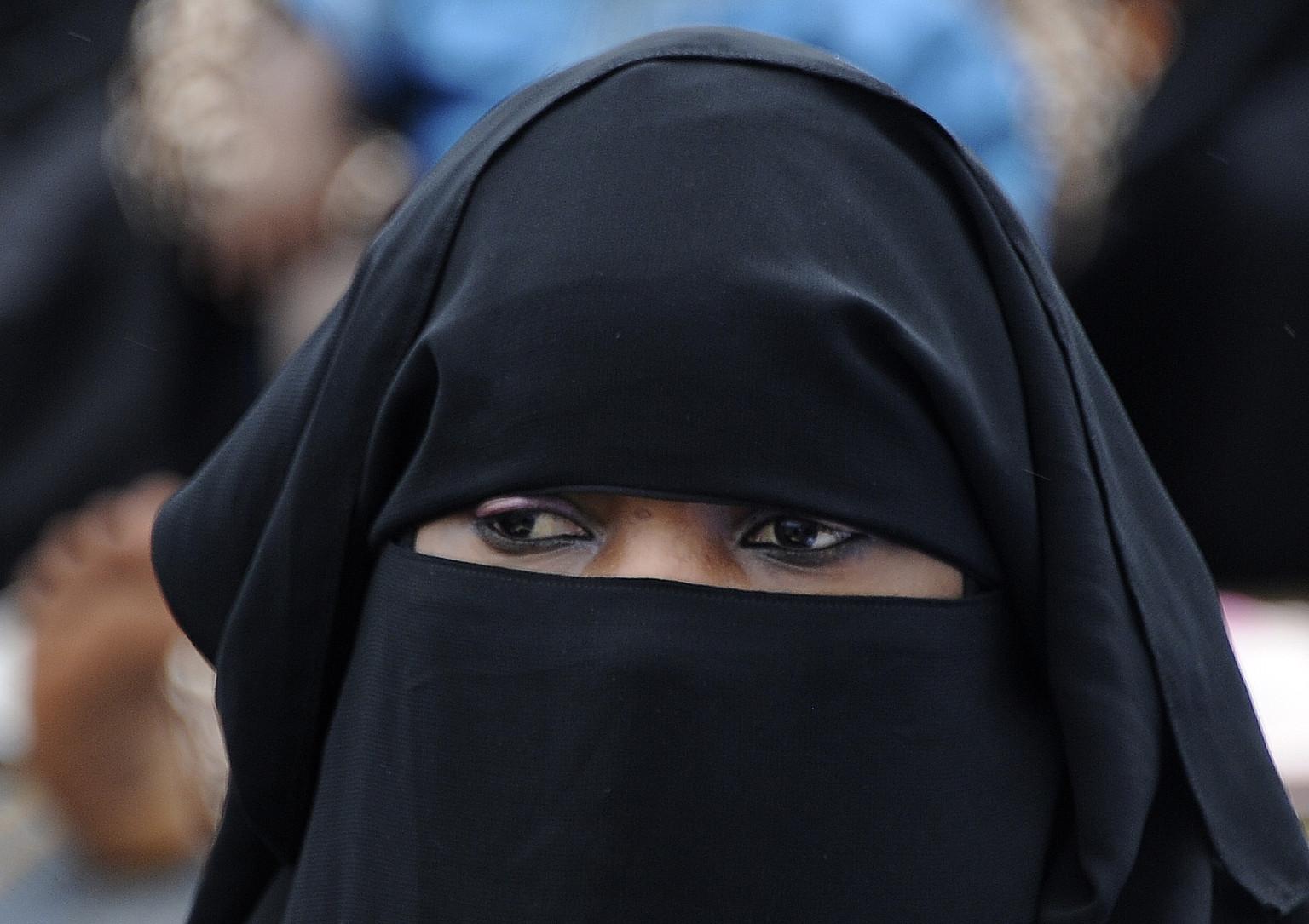 Should we ban the muslim veil?