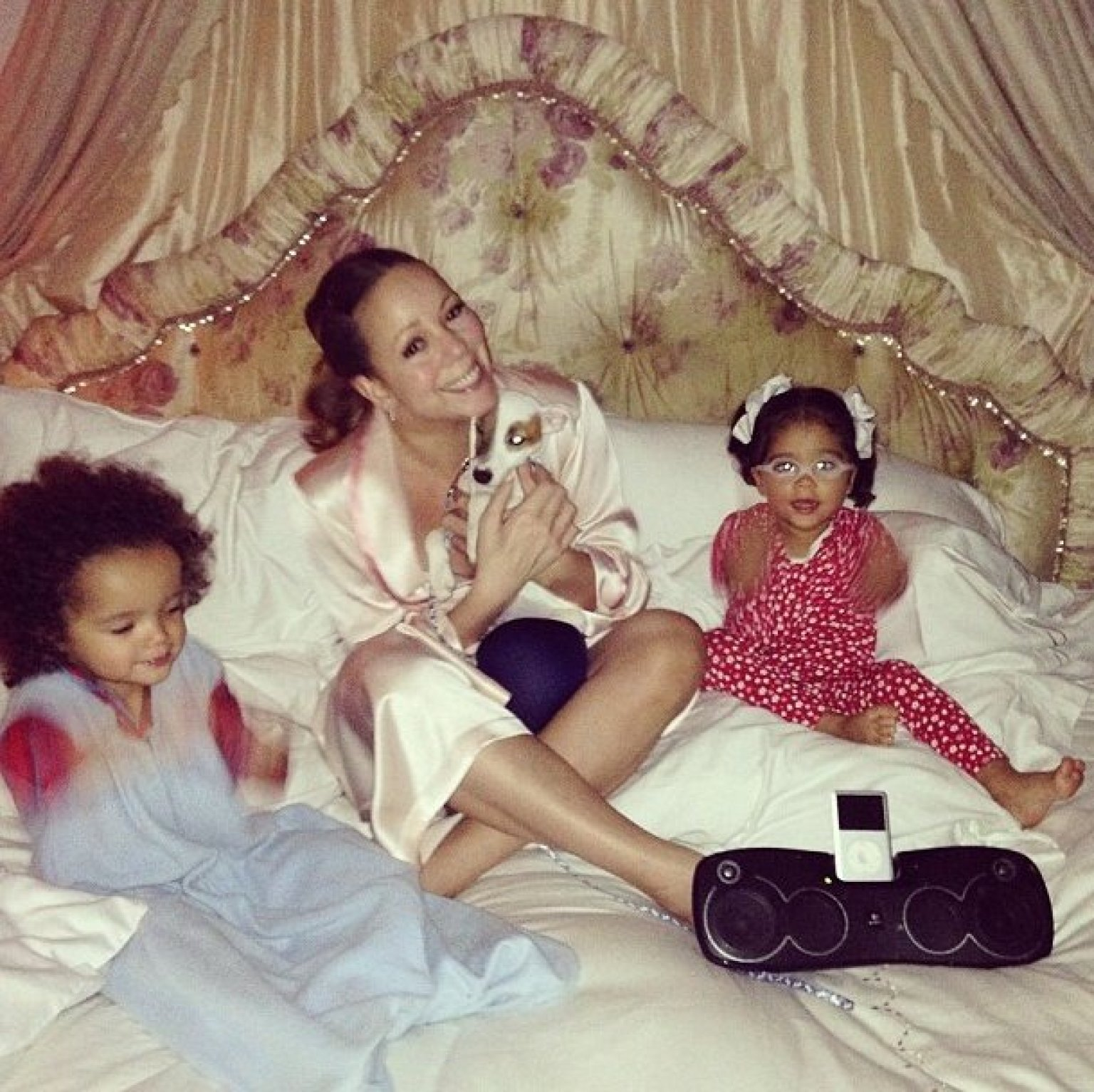 Mariah Carey, Twins Pose For Adorable Instagram Photo In ... Mariah Carey Instagram
