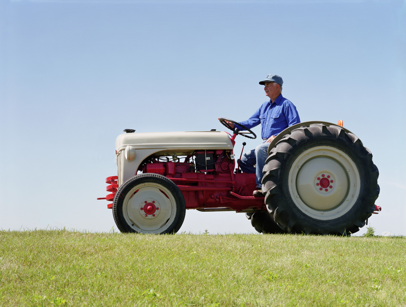 Drawing Man On Tractor : Man on a tractor picture america s best lifechangers