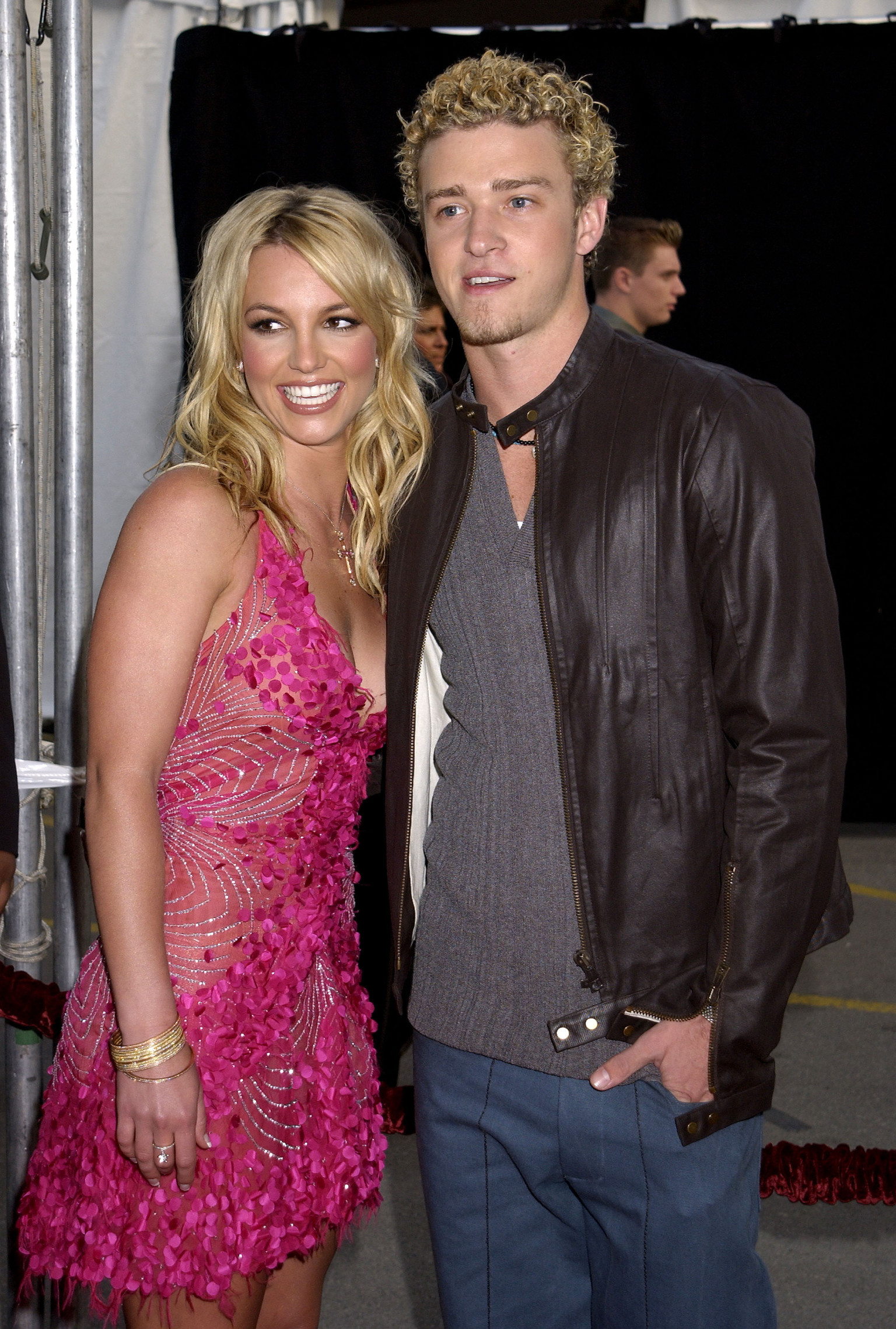 when did britney spears and justin timberlake start dating