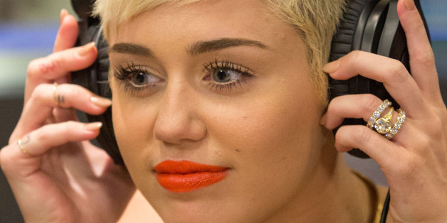 miley cyrus keeping 100 000 engagement ring post split