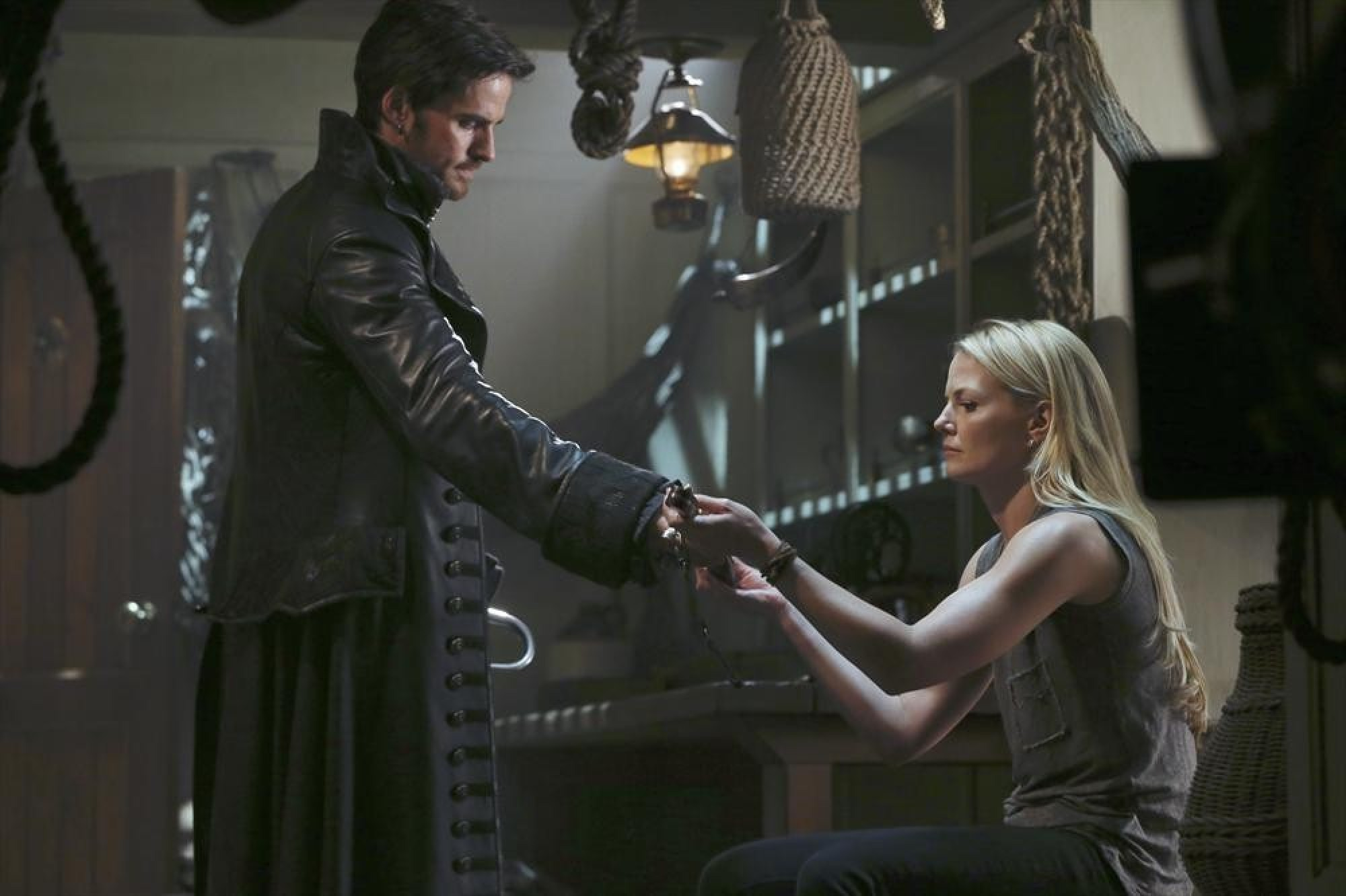 once upon a time season 3 hook and emma Once upon a time returns for its fifth series where emma's family are can they save emma and hook and view all once upon a time: season 5.