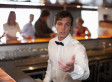 How To Get Served First At The Bar, According To Science