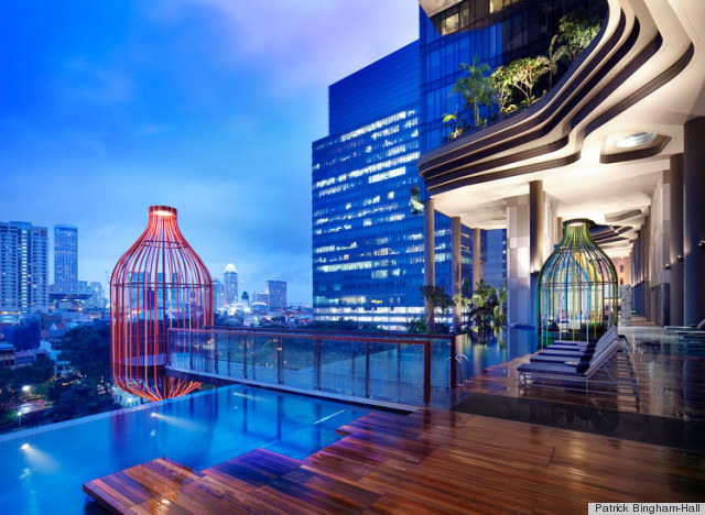 Singapore hotel 39 s dizzying view of curved garden terraces for Boutique hotels london trivago