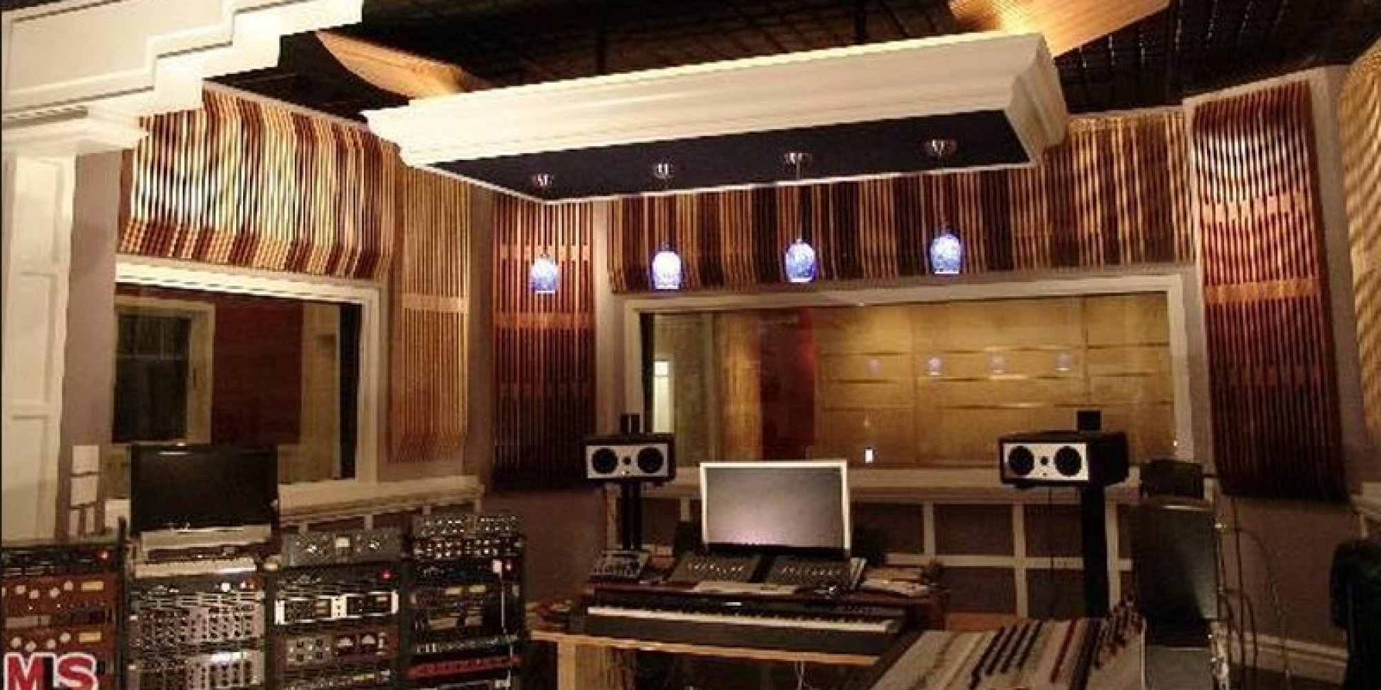 11 homes with recording studios you can buy now ryan nickum for Famous house music
