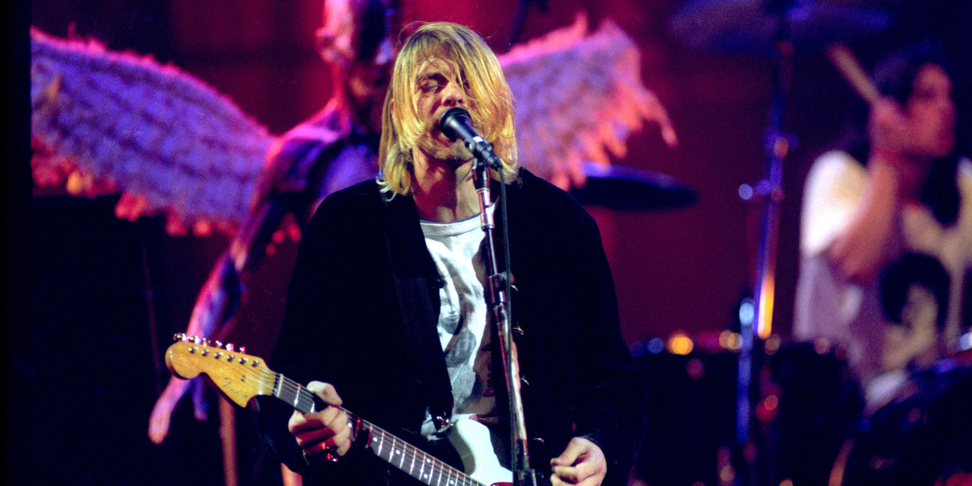 Unseen Nirvana Footage Shows The Band Rehearsing For Famed 'Live and ...