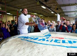 PHOTOS: The World's Largest Cheesecake
