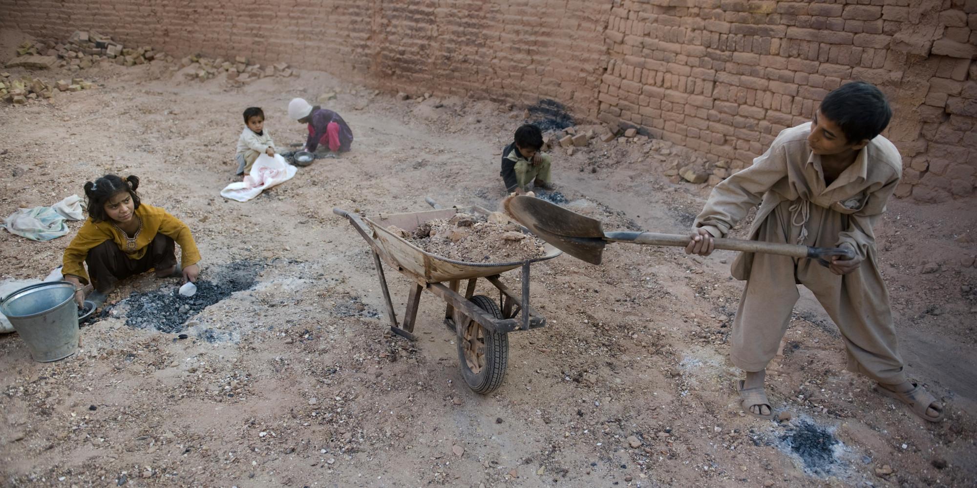 le travail des enfants dans le monde ne chute pas assez rapidement dit l 39 onu. Black Bedroom Furniture Sets. Home Design Ideas