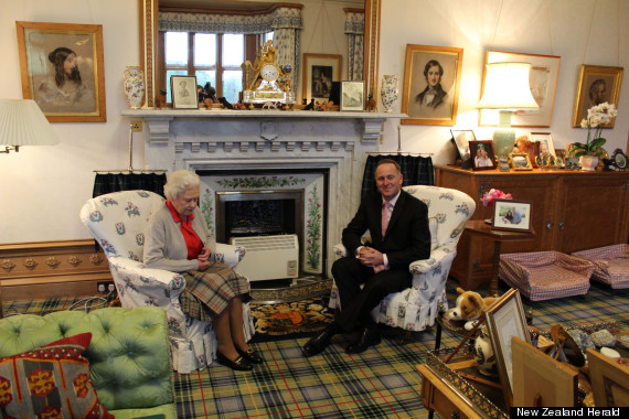 queen balmoral living room