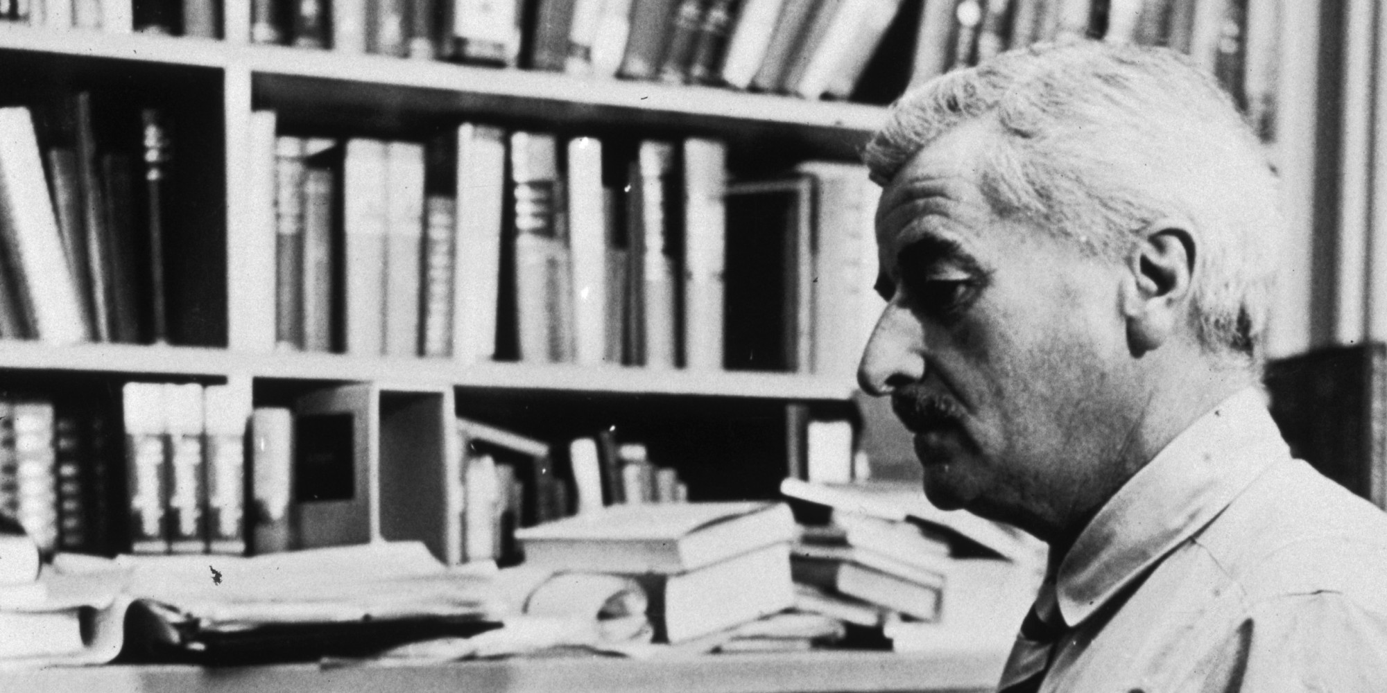 """the effective writing styles of william faulkner William faulkner: """"a writer needs three things, experience, observation, and imagination, any two of which, at times any one of which, can supply the lack of the others"""" richard bach: """"a professional writer is an amateur who didn't quit."""