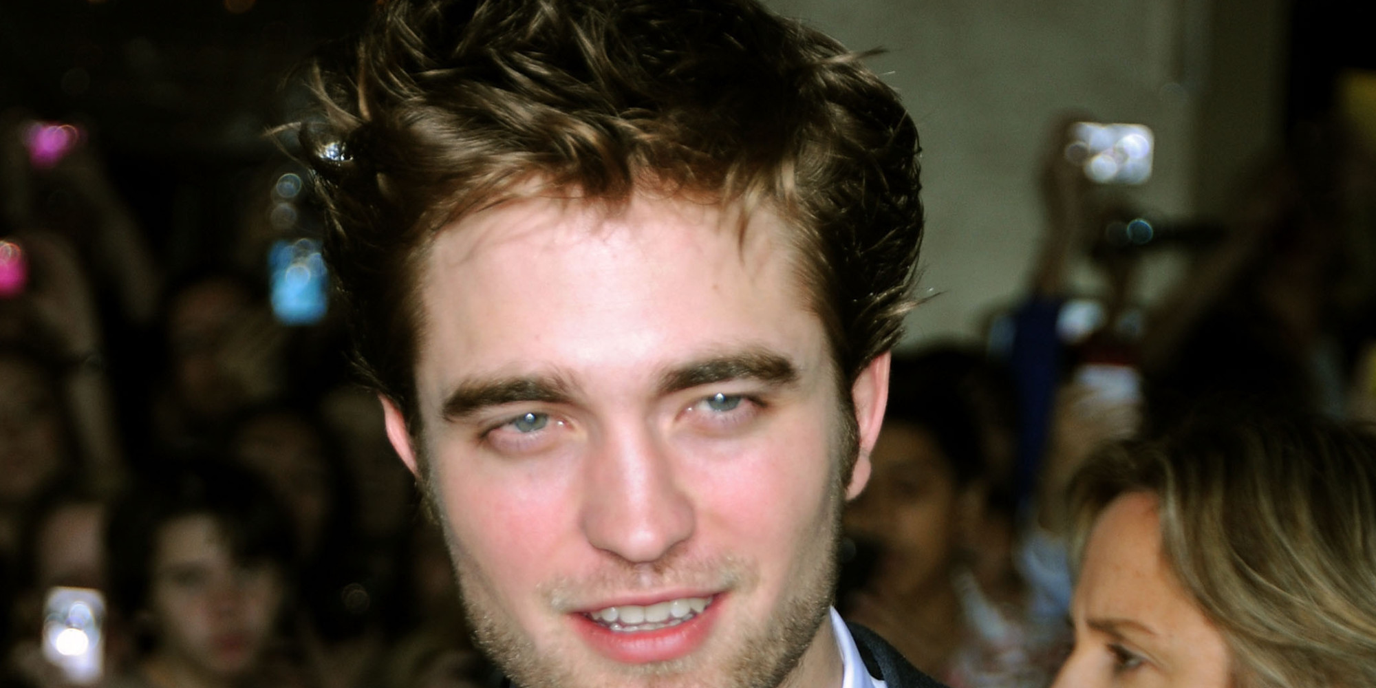 Who is robert pattinson dating in Sydney