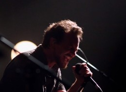 pearl jam lightning bolt video