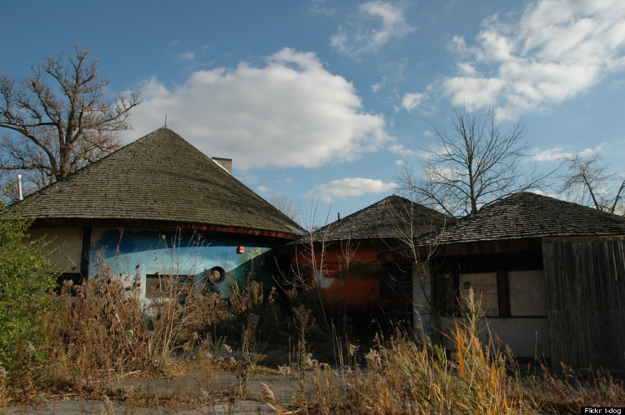 Forgotten In Time Detroit S Abandoned Belle Isle Zoo