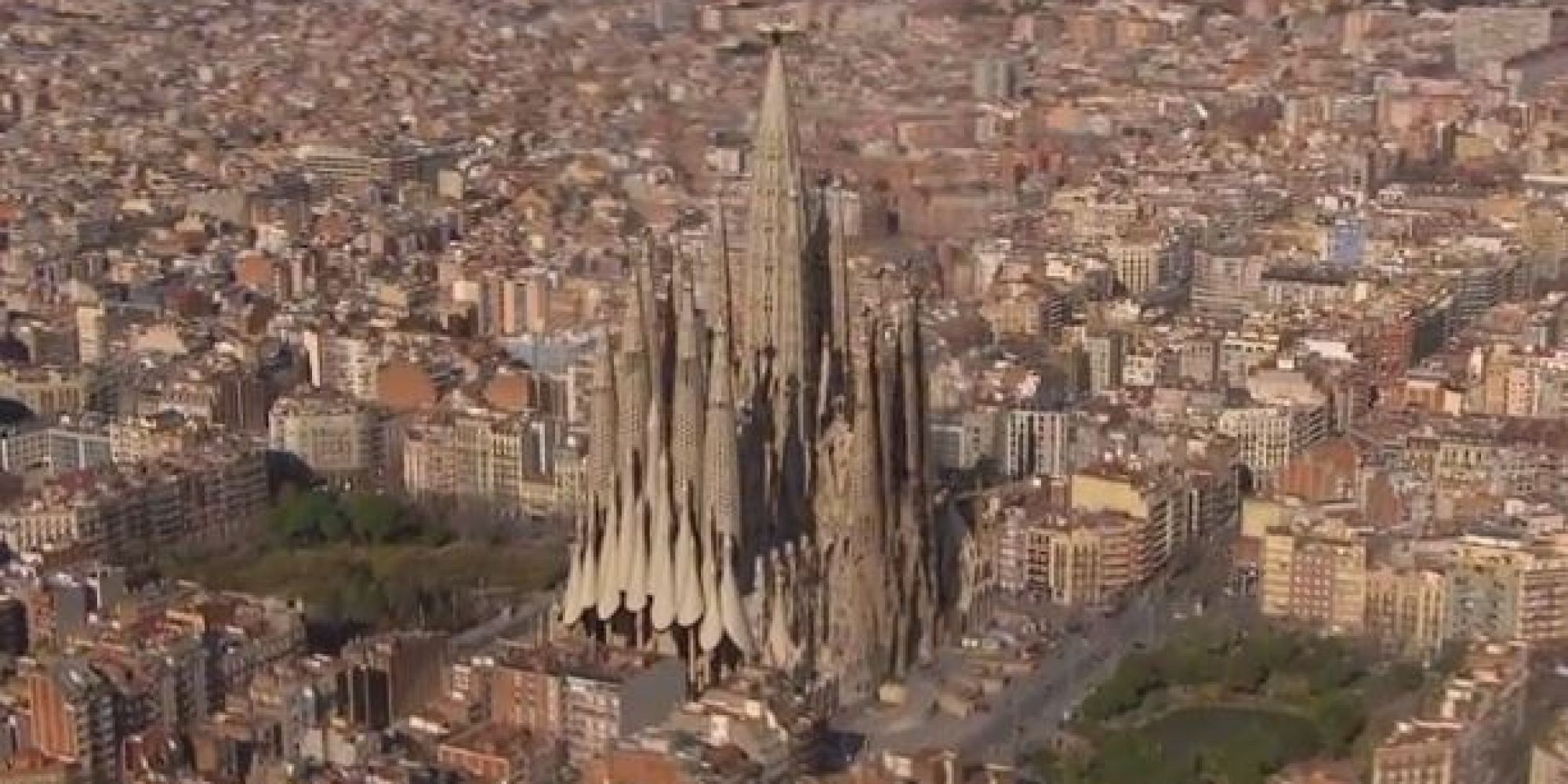 sagrada familia will look crazy when it 39 s done in 2026 video. Black Bedroom Furniture Sets. Home Design Ideas