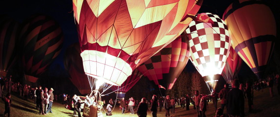 hot air balloons high river