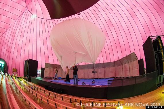 39 ark nova 39 the world 39 s first inflatable concert hall to for Ark nova concert hall