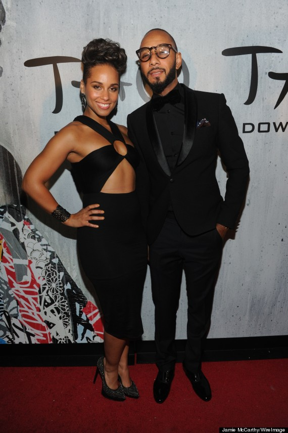 Alicia Keys Bares Midriff, Toned Arms In Little Black