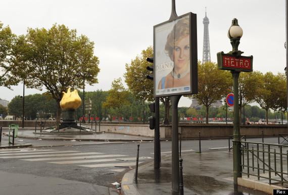 diana billboard film paris