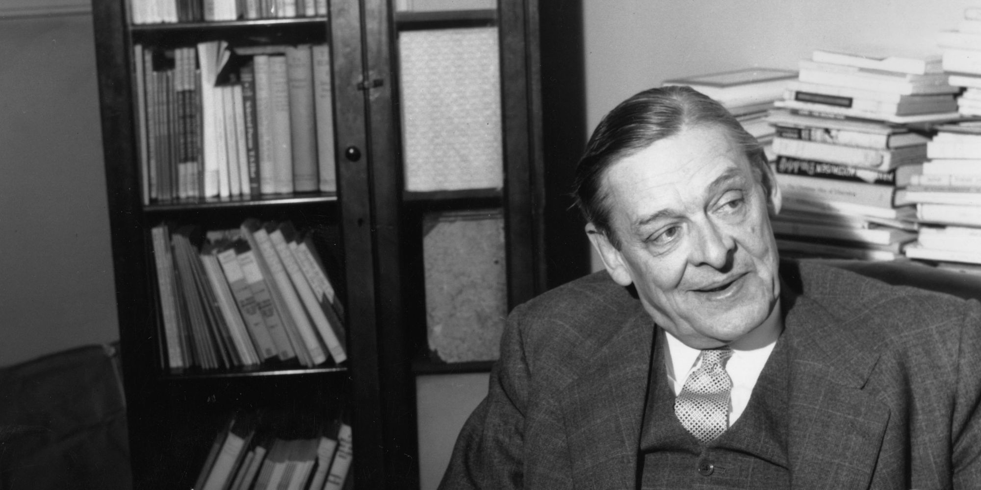 ts eliot essay This essay by ts eliot on the poetry style of andrew marvell (1621-1678) the essay ends in the french sentence c'etait une belle âme.